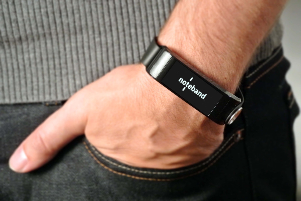 Uno-Noteband-smartband-wearable-spritz